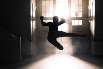 удар в воздухе, боевые искусства, солнце
